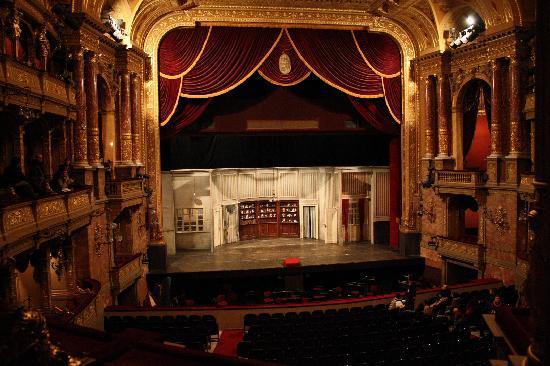 Театр оперетты в будапеште